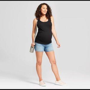 NEW Ingrid & Isabel Maternity Jean Shorts size 6
